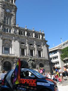 Marcha do Orgulho diante da Câmara do Porto