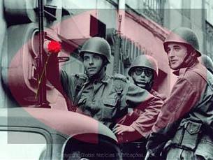 O álbum sobre o 25 de Abril foi um dos primeiros a ser disponibilizados online (foto com marca de água) Foto: Loja do Jornal