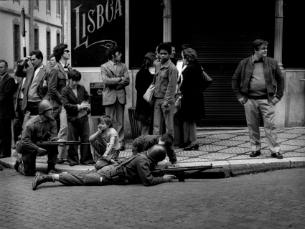 Na rádio, a reportagem do 25 de abril durou aproximadamente nove horas Foto: Alfredo Cunha/DR