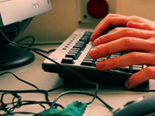 Há zonas de Portugal em que descarregar um anexo de email demora 20 minutos Foto: Arquivo JPN