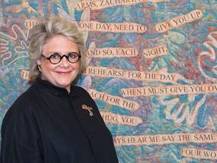 Mary Fisher tem 65 anos, é seropositiva e já conta com seis livros editados Foto: DR