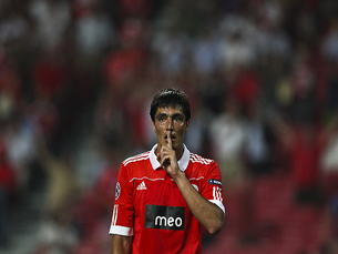 scar Cardozo confirmou a tendência de marcar aos dragões, tendo sido o autor do golo decisivo. Foto: José Goulão/Flickr