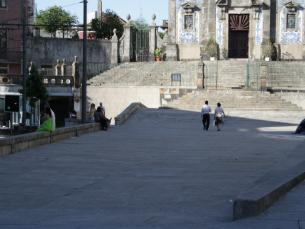 A Praça da Batalha, ponto de encontro dos manifestantes, esteve praticamente vazia Foto: Catarina Gomes Sousa