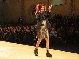 Ana Salazar foi a estilista mais aplaudida da noite Foto: Silvana Cunha
