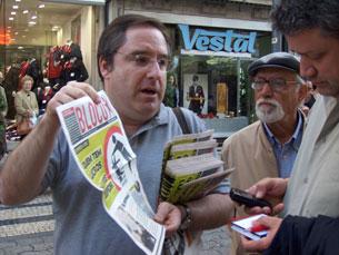 João Teixeira Lopes numa arruada em Março Foto: Mariana Albuquerque/Arquivo JPN