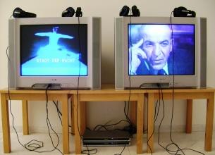 """Dara """"alia a imagem vídeo, através da projecção, a uma particular construção escultórica do espaço"""" Foto: Ana Sá Macedo"""