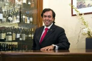 O chefe Hélio Loureiro descreve a sua relação com a cozinha Foto: DR
