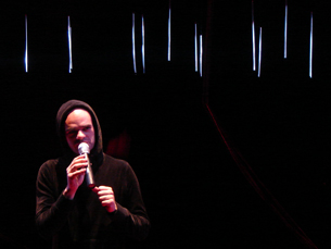 O encenador Igor Gandra é também actor na peça Fotos: Liliana Lopes