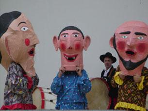 Os cabeçudos animaram os poucos espectadores presentes. Foto: Ana Margarida Pinto