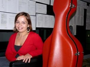 Ana Isabel Oliveira considera que, na área artística, a competição é grande Foto: Ágata Ricca