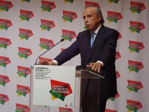 "Pedro Santana Lopes esteve presente no debate sobre ""O Estado do Regime"" Foto: Felisbela Teixeira"