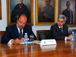 Protocolo foi assinado na reitoria da UP Foto: Luís Pedro Carvalho