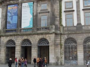 Estudantes estrangeiros foram recebidos na reitoria da Universidade do Porto Foto: Silvana Cunha