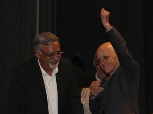 Rubem Fonseca recebeu, das mãos do secretário de Estado da Cultura, a Medalha de Mérito Cultural Fotos: Sara Pereira