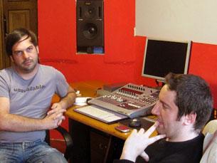 Nuno Rocha e Hélder Costa na Fábrica de Som, espaço que recebe o STFU Porto Foto: Miguel de Azevedo Carvalho