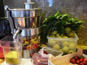 Os sumos são feitos à base de vegetais e frutas. Foto: Mariana Carvalho