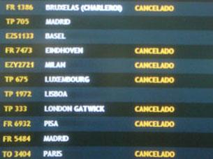 Em Portugal, 276 voos foram cancelados devido à nuvem de cinza Foto: Jorge Ferreira