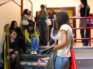 """Os estudantes da FLUP debateram, dias antes da manifestação, o movimento """"À Rasca"""" Foto: Marília Freitas"""