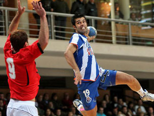 FC Porto ganha vantagem na luta pelo título de andebol Foto: DR