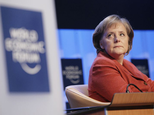 A chanceler alemã, Angela Merkel, continua fora do plano europeu de ajuda económica à Grécia Foto: World Economic Forum /  Flickr
