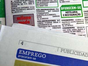 O anúncios para empregos precários ou sem remuneração são cada vez mais comuns Foto: António Manuel Gonçalves