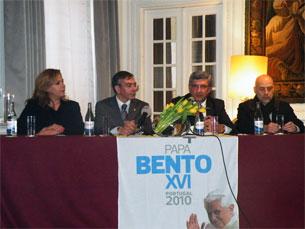 A apresentação das peças oficiais de recepção a Bento XVI teve lugar no Hotel Infante Sagres Foto: Patrícia Lima