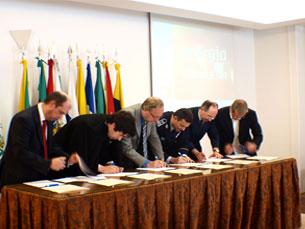 Protocolo assinado promove campanha de prevenção rodoviária durante a queima das fitas Foto: DR