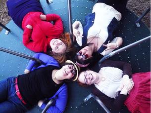As raparigas que entrem no programa recebem, no mínimo, 195,75 dólares por semana Fotos: yourdon e http://www.flickr.com/photos/tealeaves//Flickr