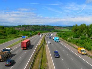 Em 2004, Portugal investiu quatro vezes mais nos transportes rodoviários do que na ferrovia Foto: SXC