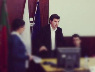 O ciberjornalismo só exacerbou a tendência de se abandonar a investigação, acredita o professor Foto: Diogo Oliveira