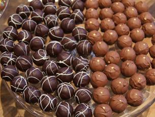 Trocar gordura por sumo é possível no chocolate de leite, no branco e no preto Foto: Arquivo JPN