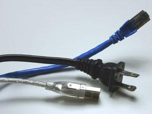 Objectivo é reduzir o consumo dos equipamentos audiovisuais e informáticos que estão em stand by Foto: SXC