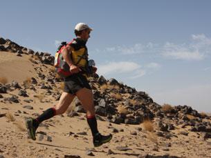 "Carlos Sá quase desmaiou no final da ""Marathon des Sables"" Foto: Covadonga Cué/MDS 2011"