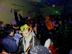 Por toda a cidade, há festas de Carnaval para todos os gostos... e todas as carteiras Foto: orangeek/Flickr