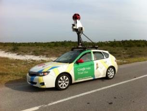 O carro da Google equipado com câmaras ainda vai mapear e atualizar as imagens por toda a Europa Foto: DR