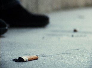 O número das jovens adolescentes que fumam é cada vez maior Foto: Arquivo JPN