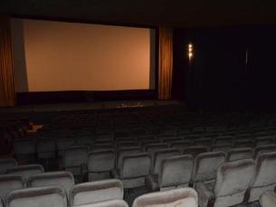 Ainda existem salas de cinema no centro do Porto, com plateia e projetores, mas que mantêm as portas fechadas Foto: Rosa Clemente