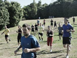 Já são vários os que, aos domingos, participam nos treinos gratuitos de preparação para a prova Foto: DR