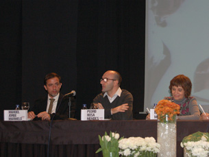 Toda a literatura é pura especulação: Manuel Jorge Marmelo, Pedro Rosa Mendes e Rosa Montero Foto: Sara Pinto Rodrigues