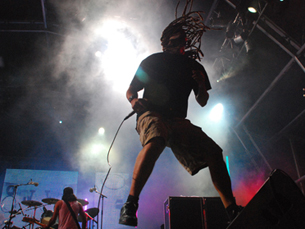 Virgul e Pacman são os dois vocalistas dos Da Weasel Foto: DR