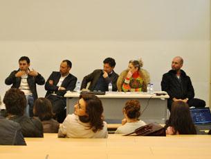 O debate contou com 5 oradores: três jornalistas e dois professores da Universidade do Porto Foto: JPN