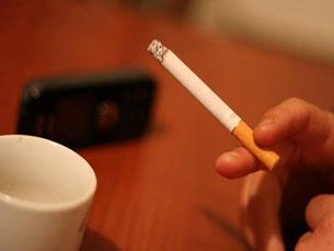 Tabaco, café e internet são algumas das dependências que afetam os mais jovens Foto: Filippo/Flickr
