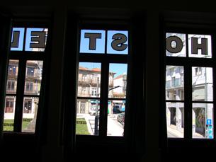 Com três anos de funcionamento, o Porto Downtown já recebeu centenas de nacionalidades Foto: Mariana Catarino