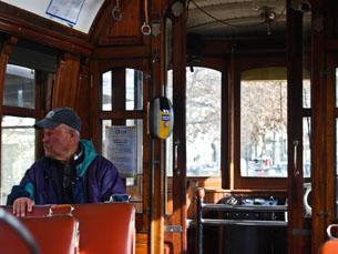 Elétrico quadriplica receitas em 2013, depois de se tornar meio de transporte destinado aos turistas Foto: Liliana Pinho