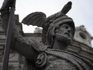 """A estátua """"O Porto"""" voltou, em 2013, à Praça da Liberdade depois de ter ocupado vários espaços pela cidade Foto: Fabiana Queirós de Oliveira"""