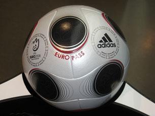 Bola oficial do Euro 2008 Foto: Florian K