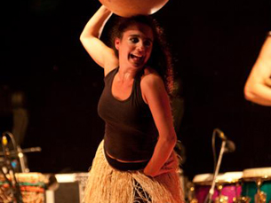 Eva Azevedo faz parte de grupos musicais de música africana, dando concertos um pouco por todo o Mundo Foto: DR