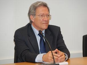 Fernando Nobre alerta para a necessidade de proteger a democracia Foto: Jorge Ferreira