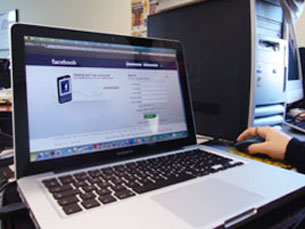 Muitas empresas optam por bloquear acesso dos funcionários às redes sociais Foto: Tânia Monteiro