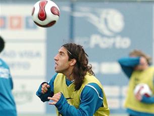 Lucas Mareque chegou a Portugal com boas referências mas foi uma das desilusões do FC Porto 2006/2007 Foto: FC Porto
